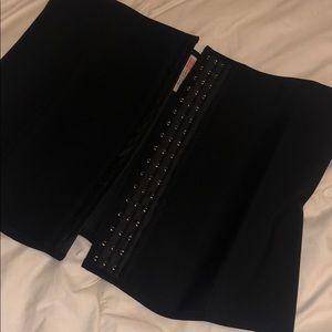 Other - Black latex waist trainer !